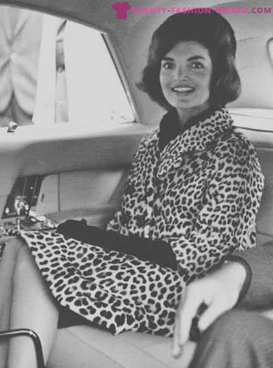 The strength of the spots: the evolution of a leopard print in the history of fashion