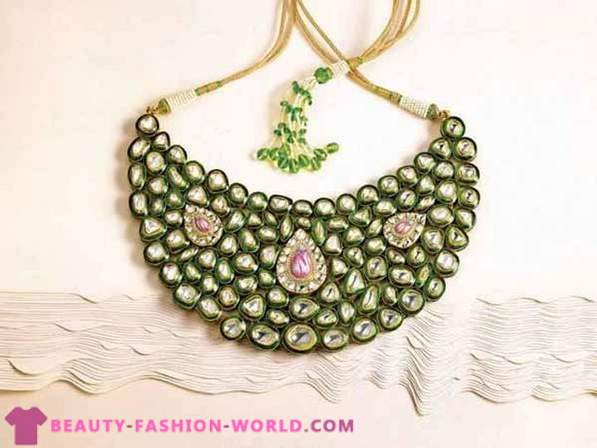 Banaras collection of jewelry from Zoya