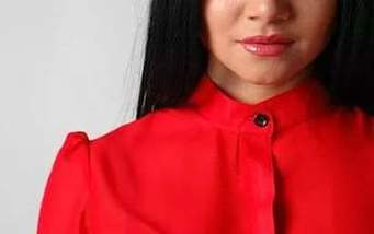 Fashion red shirts: what to combine?